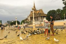 A Day Tour Phnom Penh - Front-royal-palace-phnom-penh.jpg