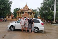 Discover Phnom Penh Two Days - mini-van-seina.jpg