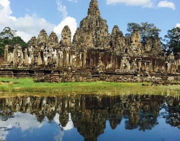 Royal temple Angkor wat Tour